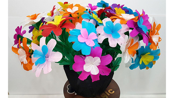 Flower Bouquet From Silk by Tora Magic - Trick