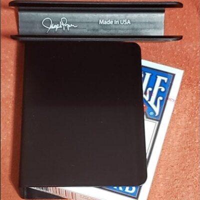 The Porper Card Clip (Black) Flat-Spine by Joe Porper - Trick